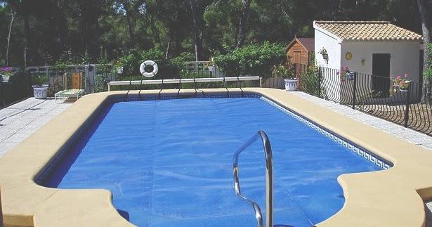 desain dan cara membuat kolam renang di rumah tips