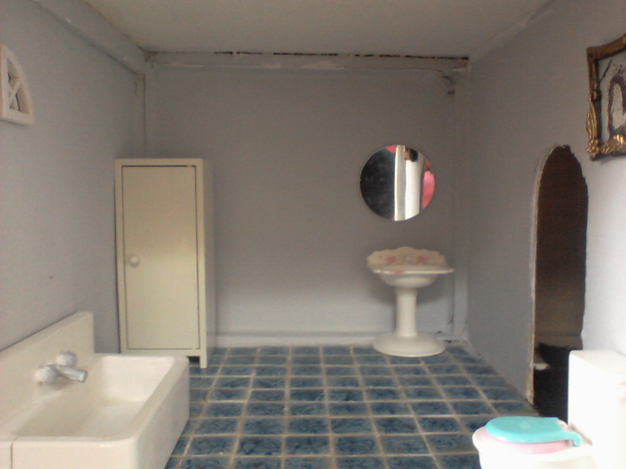 Badkamer Voor Poppenhuis : Goki roze badkamer poppenhuis