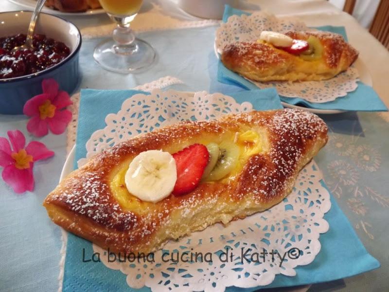 La buona cucina di katty le mie danesi alla crema for Frutta con la o iniziale