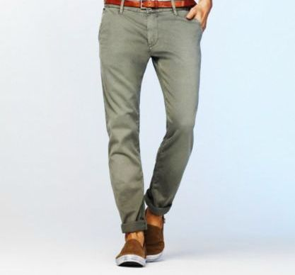 Green pants light blue denim shirt combination for men for What color shirt goes with green pants