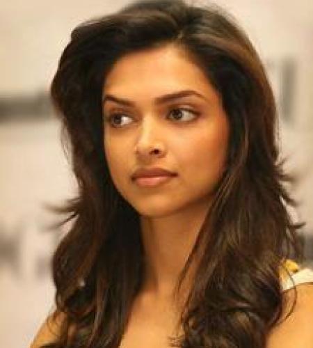 Hot Actress Exposed Deepika Padukone Cute Hot Photos