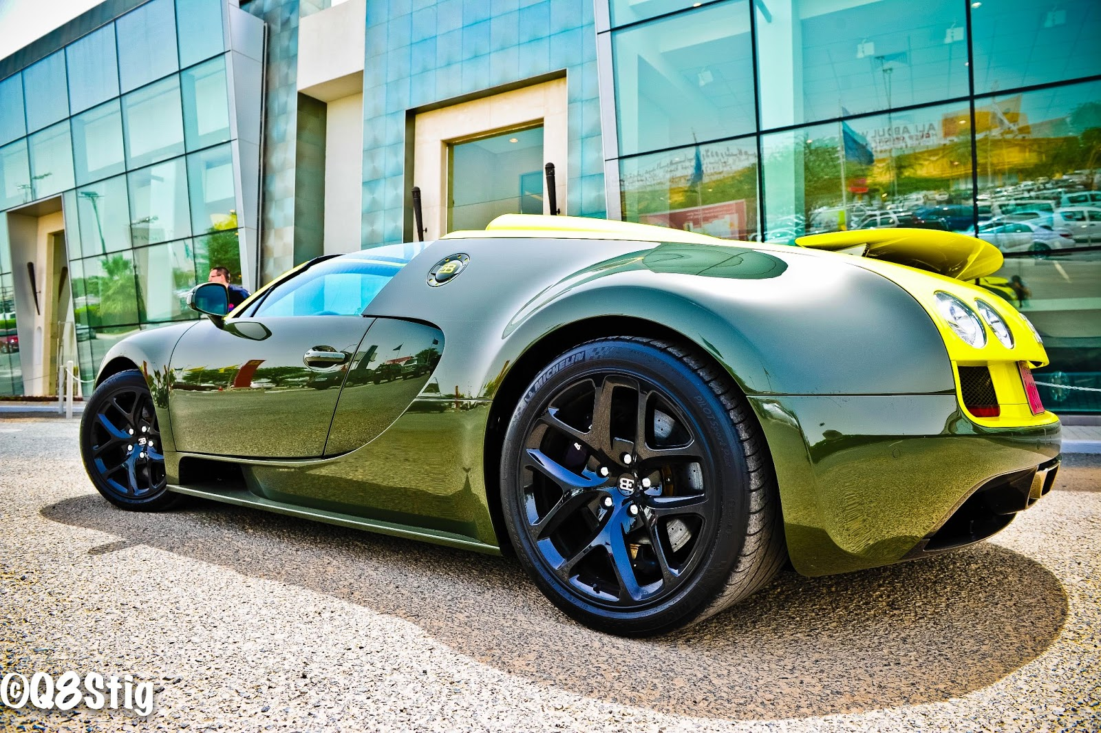 q8stig test drive bugatti veyron grand sport vitesse. Black Bedroom Furniture Sets. Home Design Ideas