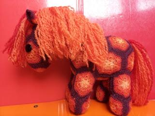 cavallo uncinetto amigurumi