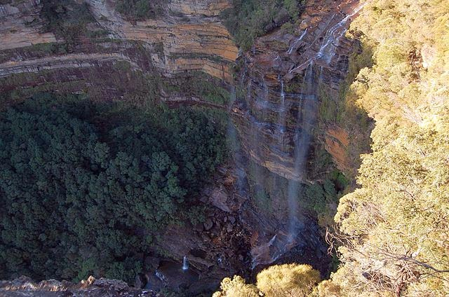 Wasserfall im Sommer in Blue Mountains
