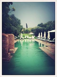 La piscine lors d'un mariage aux Deux Tours à Marrakech (By @Criska)