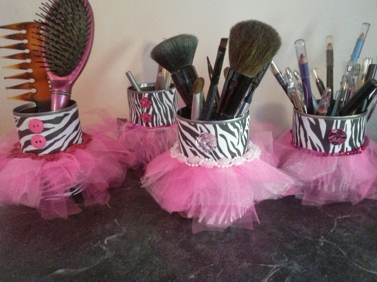 Hot glue sparkle diy zebra print tutu cans for Zebra print bedroom ideas