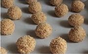طريقة عمل حلويات بالزبدة والسمسم  R