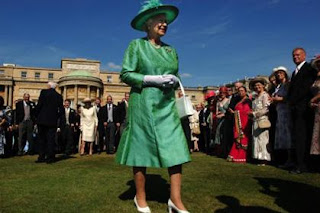Queen Elizabeth made the right choice refusing to go green for St. Patrick's Day