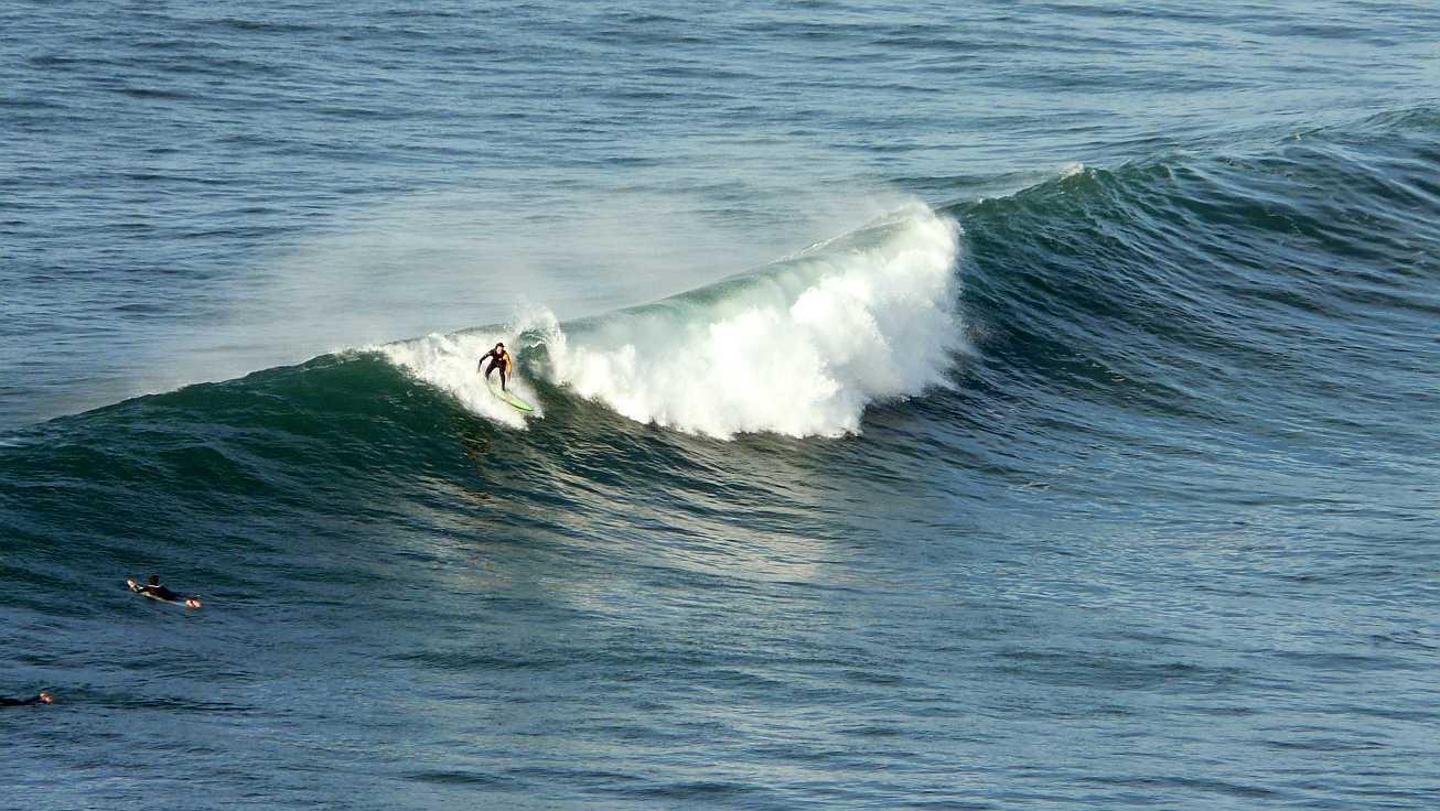 surf olas grandes menakoz 05