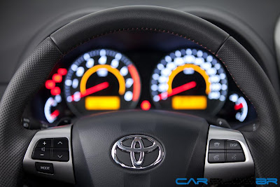 Toyota Corolla 2013 - painel de instrumentos