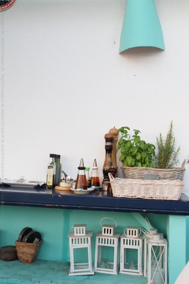 Blick auf die Tische zum Servieren im Almare
