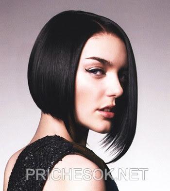 І стрижки на середню довжину волосся