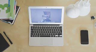 komputer pribadi di rumah