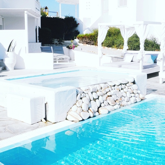 Jelena Zivanovic Instagram @lelazivanovic.Glam fab week.Minois village hotel & spa best review, Paros island.