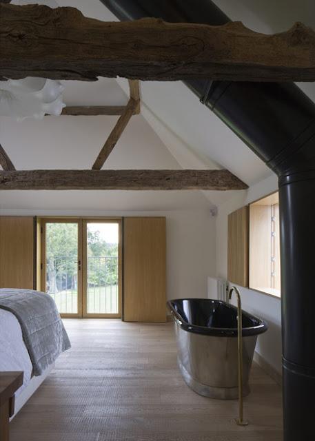 Ванная комната в оригинальном доме с куполами