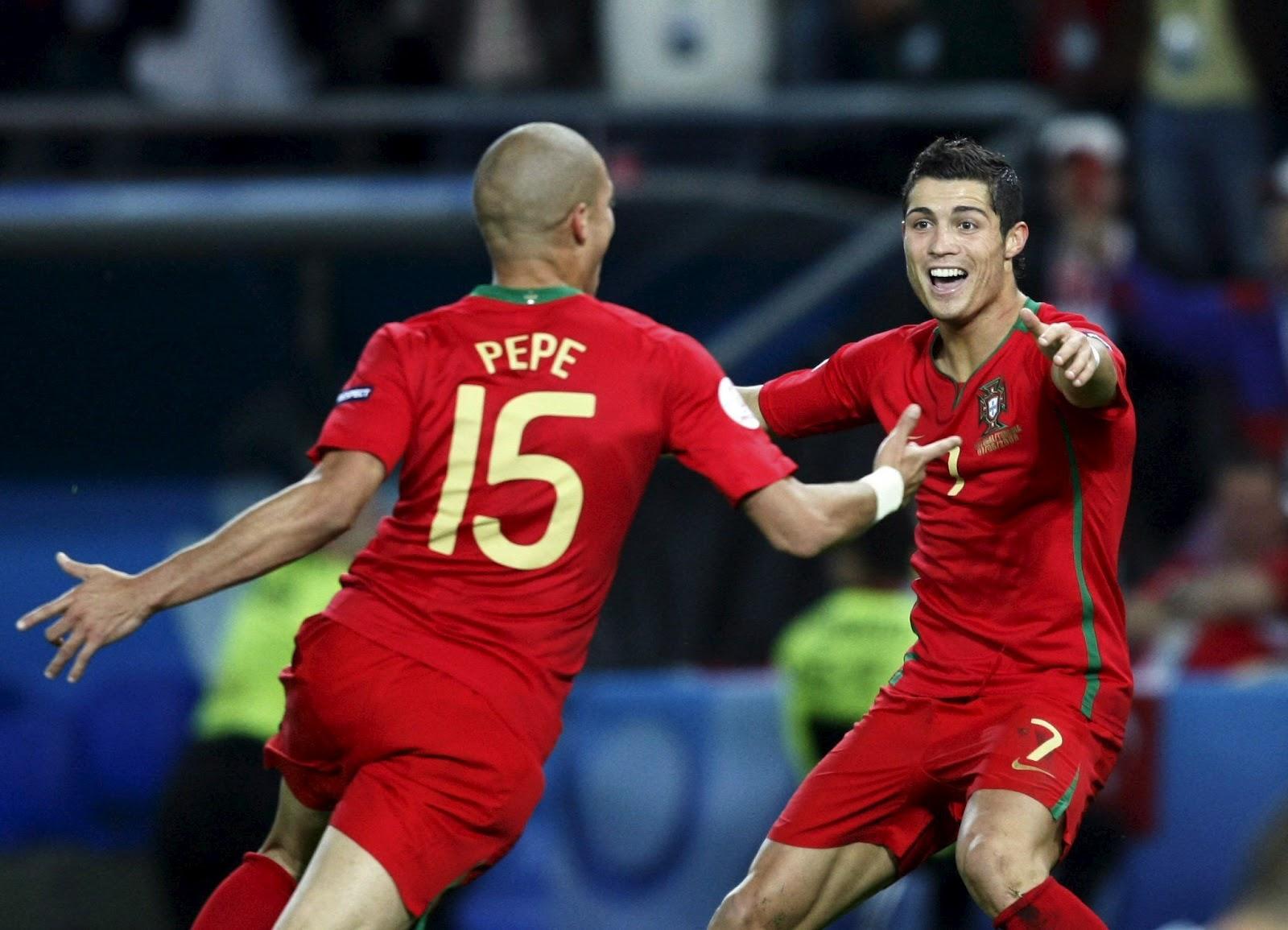 http://1.bp.blogspot.com/-mZGKQ8Z32Cg/T6Z31UnZStI/AAAAAAAAByI/LN9j9115S50/s1600/C-Ronaldo+05.jpg