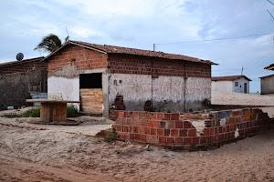 Vende-se Terreno com Ponto Comercial na Praia de Enxú Queimado: 084-9423-1587.