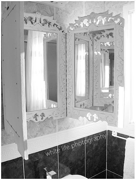 white life diy 3 part mirror. Black Bedroom Furniture Sets. Home Design Ideas