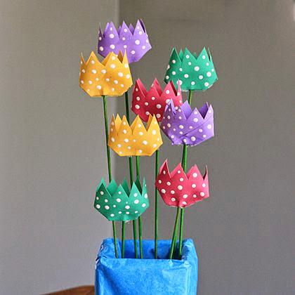 ... : Centrotavola con il riciclo creativo dei rotoli di carta igienica