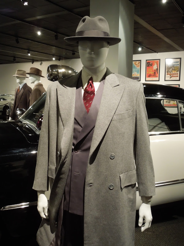 Sean Penn Mickey Cohen Gangster Squad wool suit