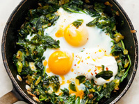 baked eggs with spinach yogurt chilli and oil