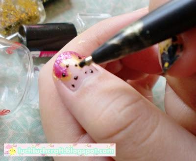 polkadot nail art