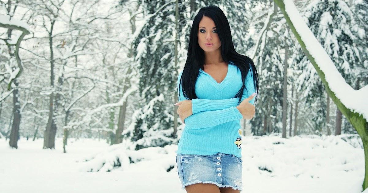 Mooie foto met vrouw in sneeuw bureaublad achtergronden - Een mooie kamer van een mooie meid ...