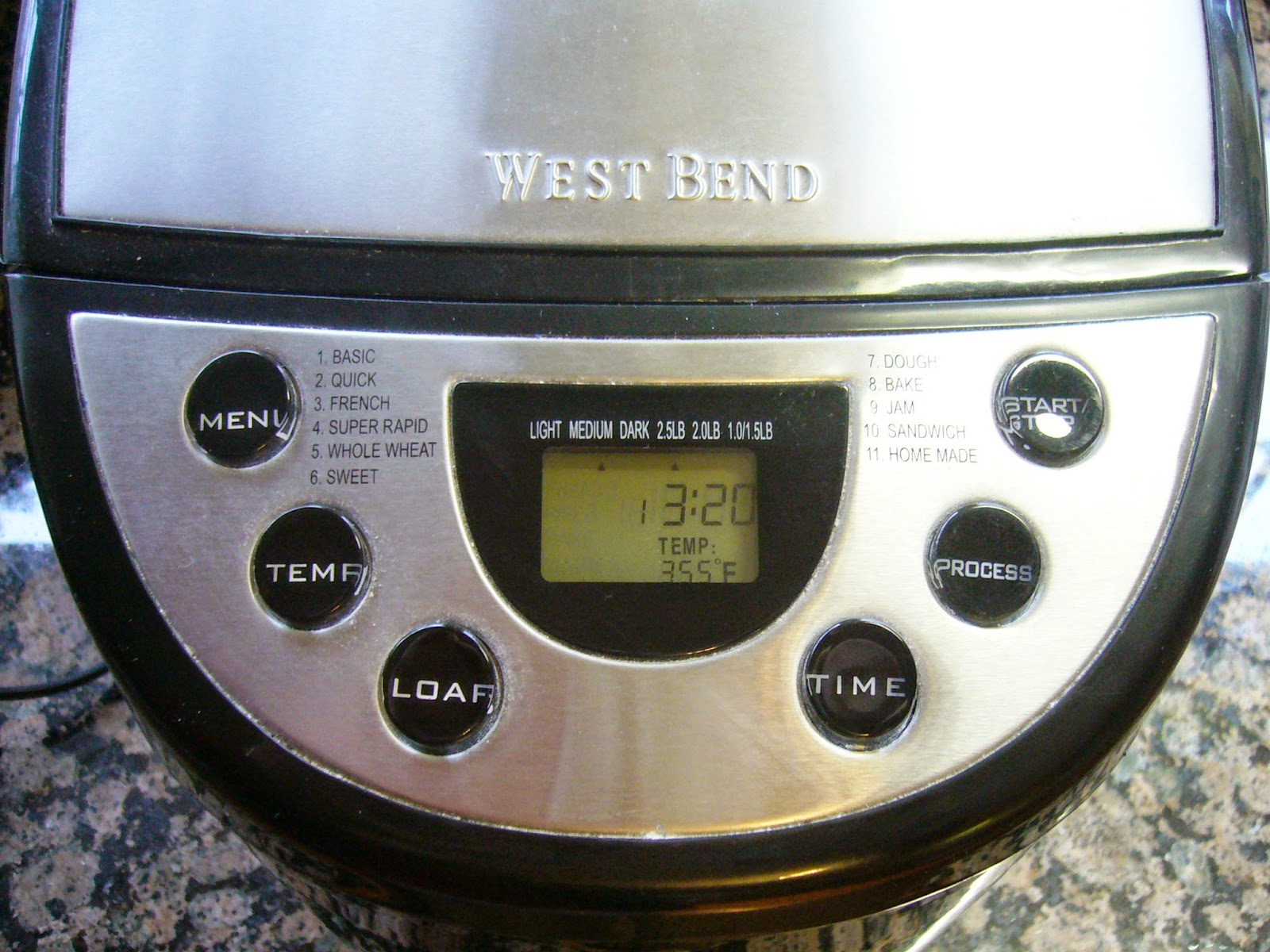 West Bend 2.5 Pound Hi-Rise Bread Machine