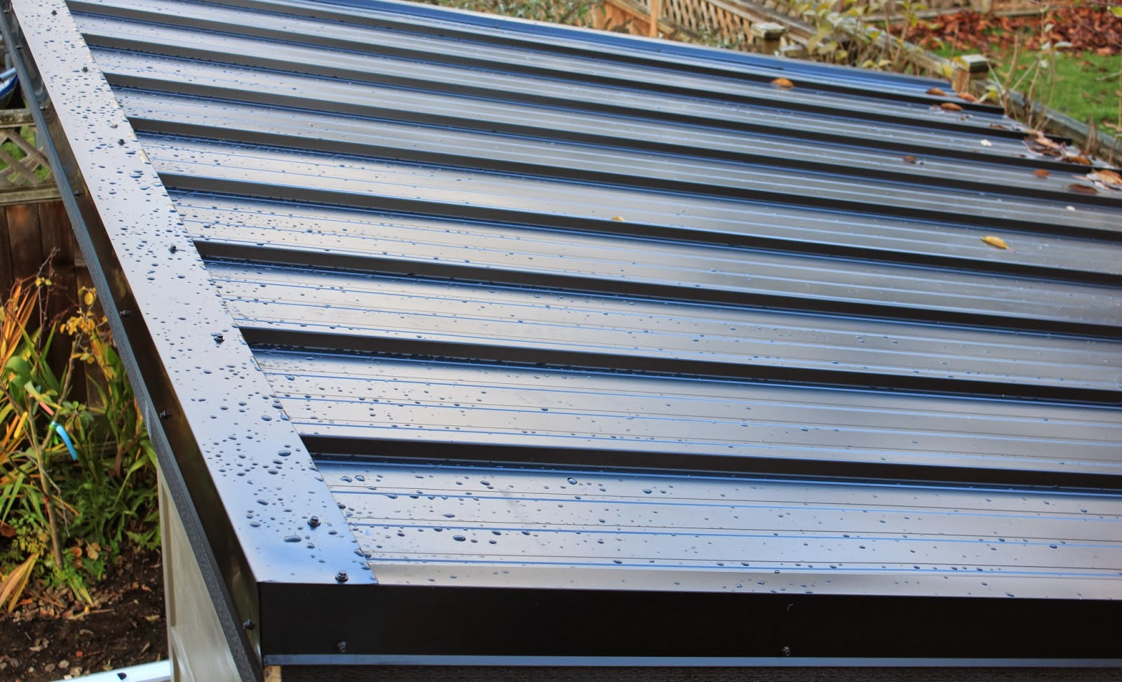 Beautiful DIY Metal Shed Roof