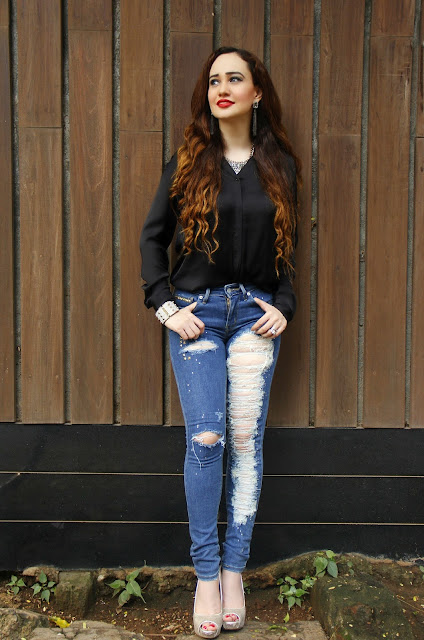 Levis 711 Skinny Jeans, Levis Black Silk Shirt, Distressed Jeans,