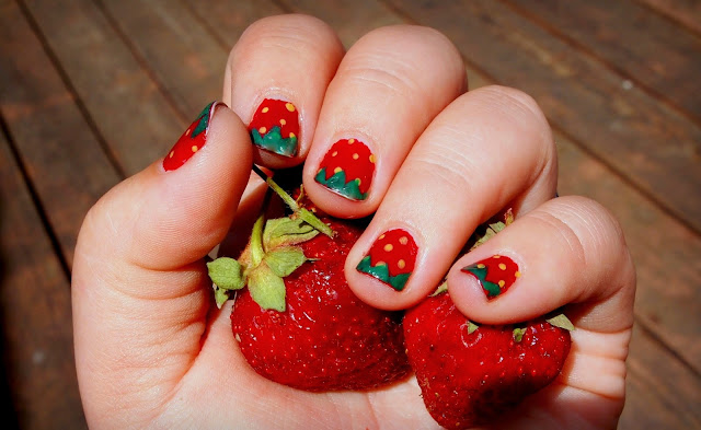 Strawberry Nails Tutorial!