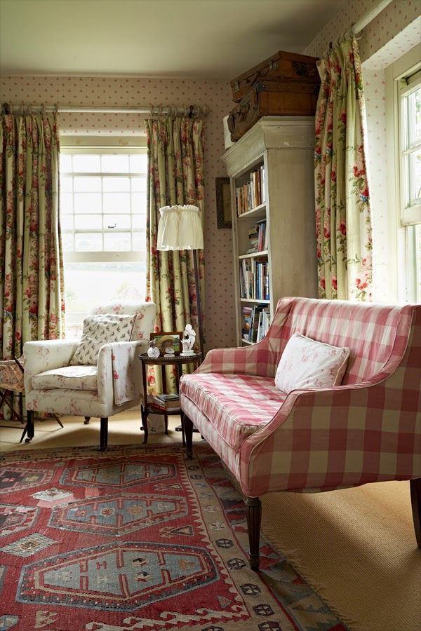 Decor inspiration english country house cool chic for English country bedrooms