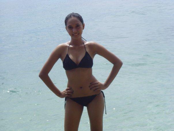 sexy filipina in bikini 09