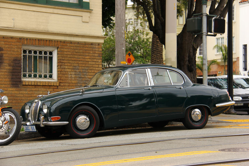Perhaps It Was Difficult For American Buyers To Relate To A Retro Styled  Jaguar That Hearkened Back To The Days Of The 1960s, And Wasnu0027t An E Type.