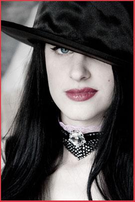 Emmanuelle Lugand Photographe / Venus XIII Modèle / Bijoux A mon seul desir / Adelheid Creations / Skylee Dolly