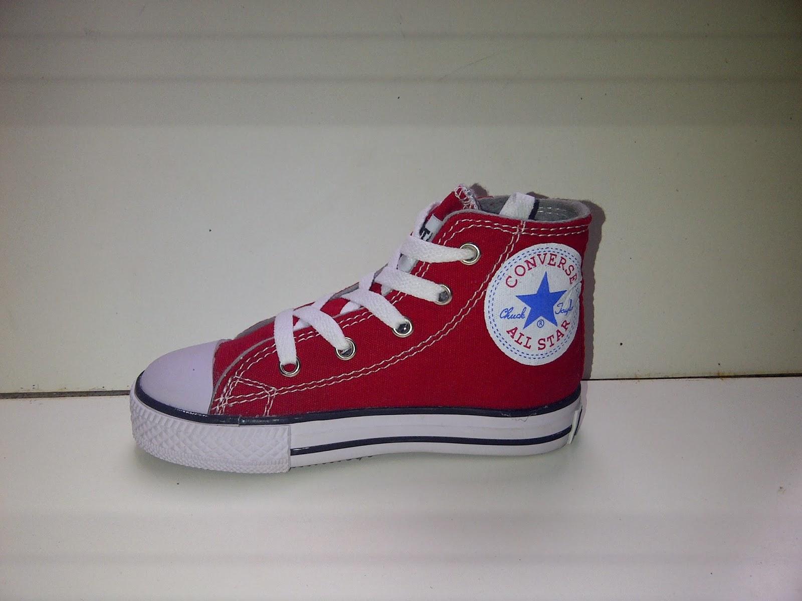 Sepatu converse anak kecil