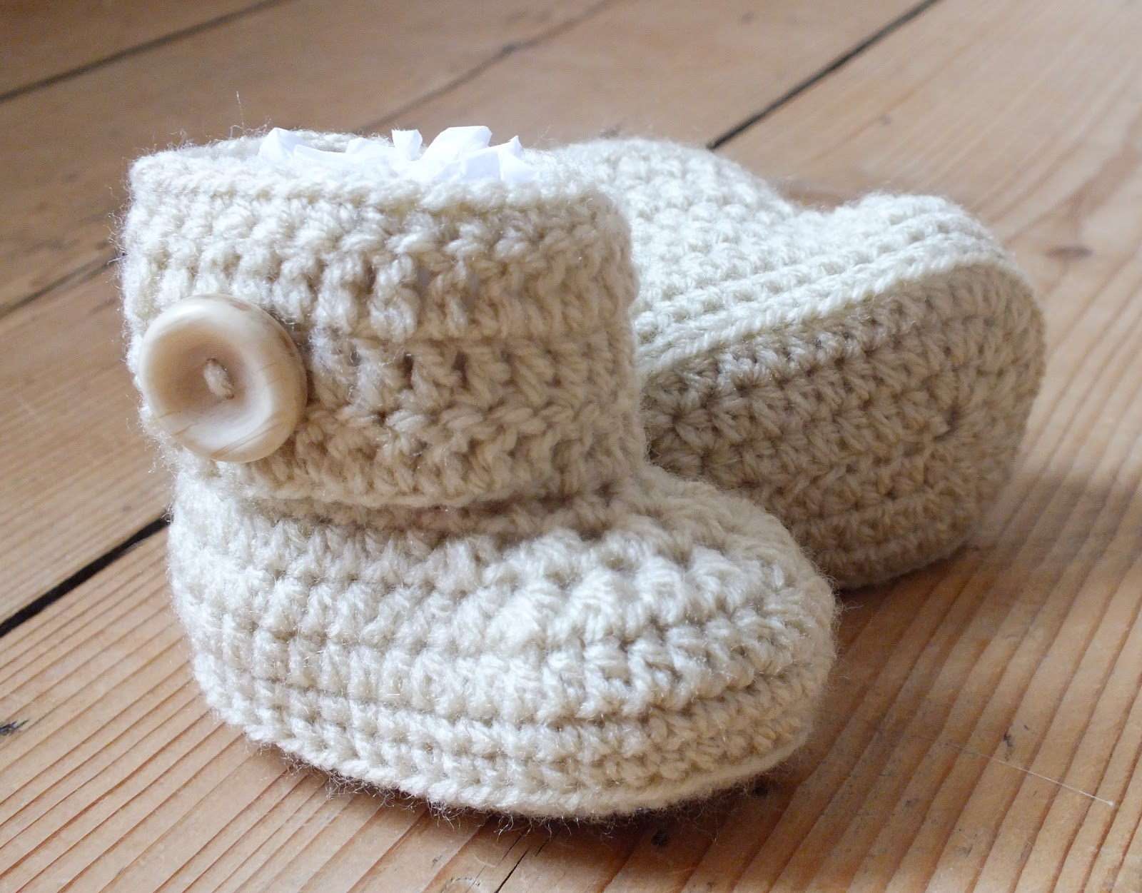 Free Crochet Pattern Ugg Boots : HanJanCrafts: Mug Hugs and Baby Uggs....