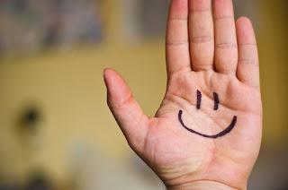 [imagetag] http://1.bp.blogspot.com/-ma0-GPHIrOM/Ta28X_lw7_I/AAAAAAAAAUY/wDrxwscZUl4/s1600/smile1.jpg