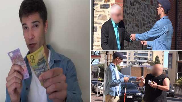 بالفيديو.. ضرير يختبر أمانة الناس في الشارع.. والنتيجة صادمة!