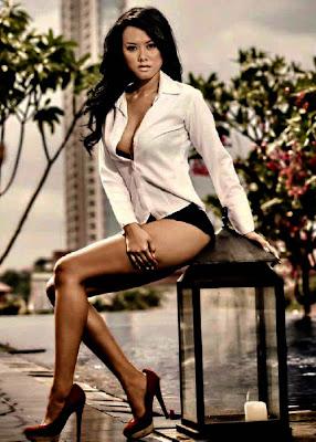 Devi Liu - Sexy Hot Pants