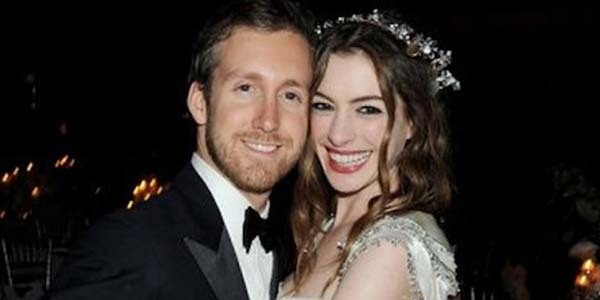 Anne Hathaway Married with  Adam Shulman