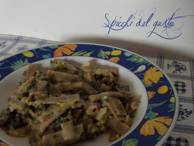 pizzoccheri con cicoria e castelmagno