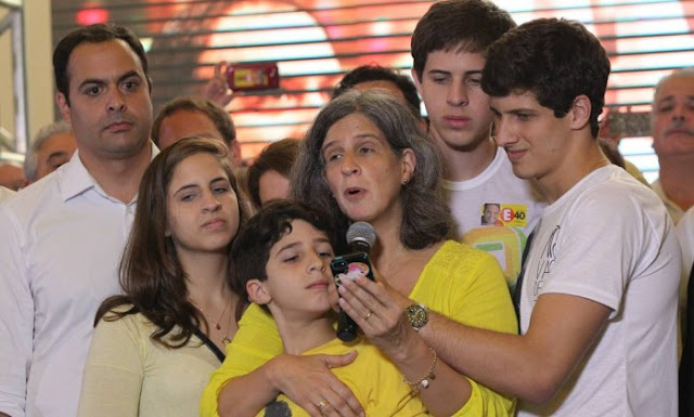 http://www.blogdofelipeandrade.com.br/2016/01/familia-de-eduardo-campos-tambem.html