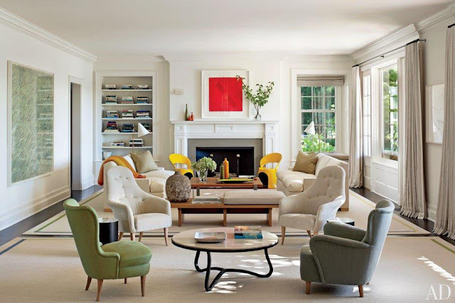 blog.oanasinga.com-interior-design-photos-neutral-living-room-with-vivid-color-accents-shelton-mindel-associates-hamptons-usa