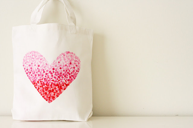 Img painted+heart+bag1