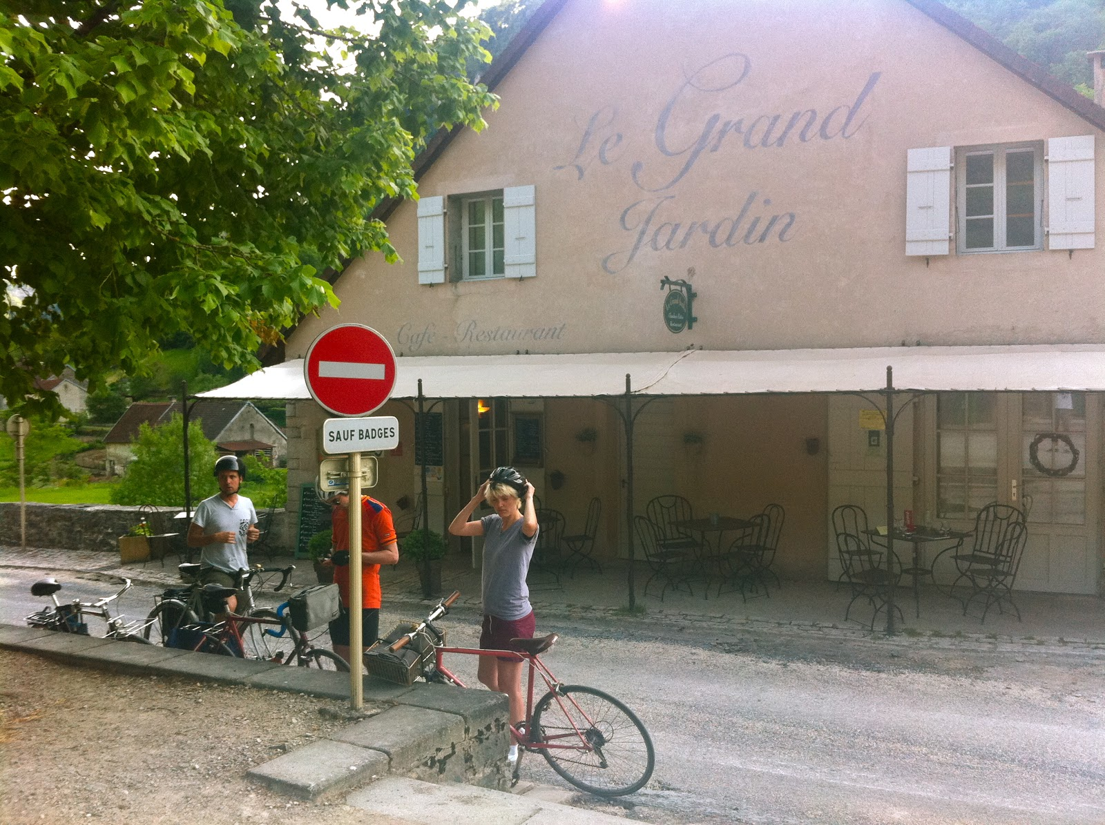 not drinking poison in paris jura bike trip macvin ice cream at le grand jardin baume les. Black Bedroom Furniture Sets. Home Design Ideas