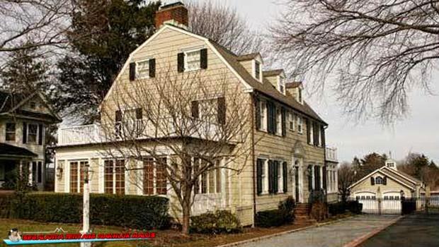 sebut sebagai rumah paling berhantu di AS ini memang sudah sangat terkenal sebagian di muk Kisah Nyata Amityville House, Rumah Paling Seram di Dunia