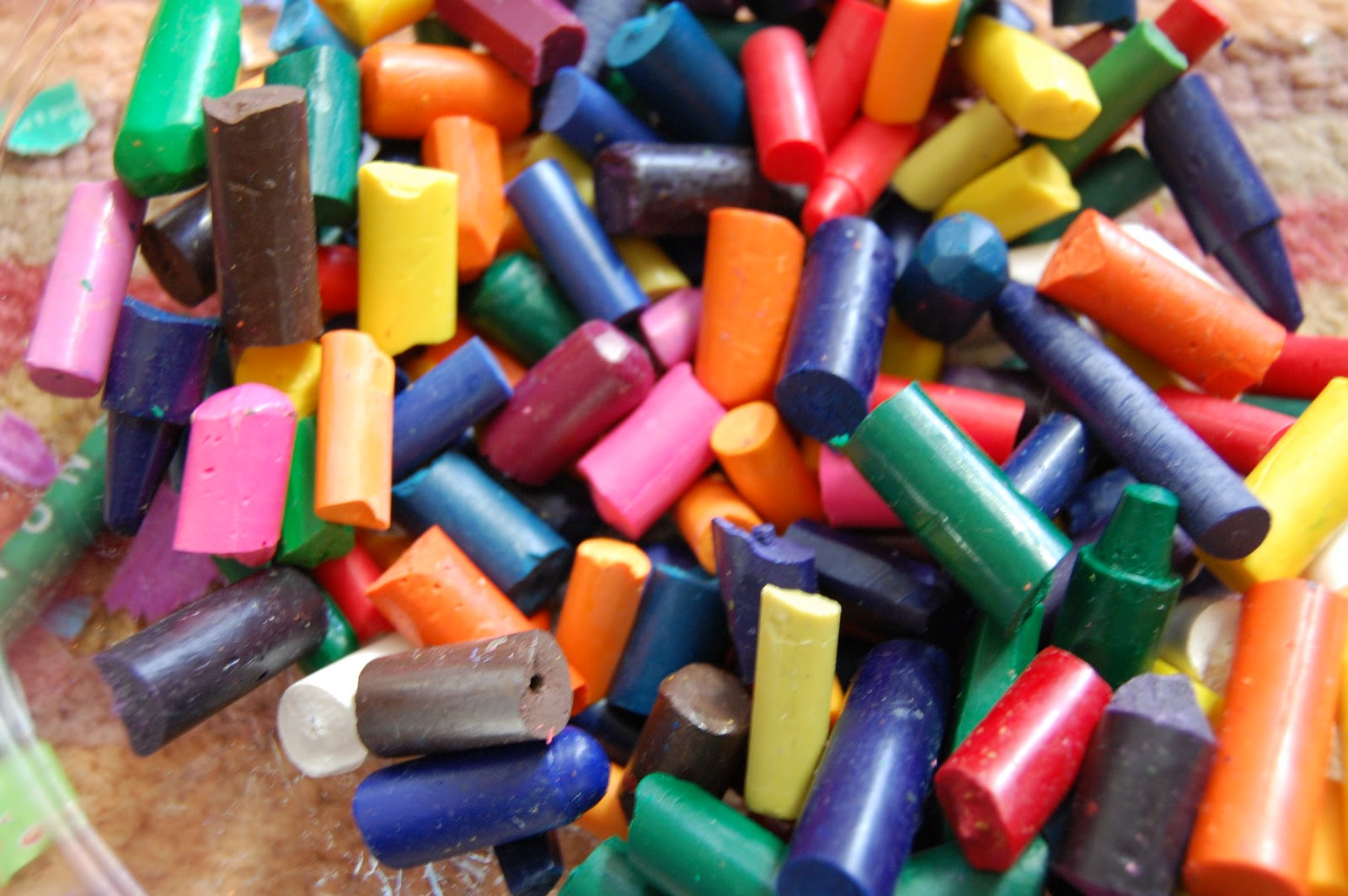 how to cut crayons cleanly