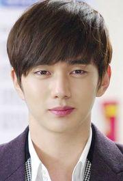 Biodata Yoo Seung Ho Menjadi Pemeran Tokoh Kang Hyung-joon / Harry Borrison
