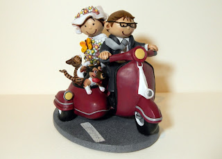 orme magiche cake topper su commissione cartoon scultura sposini sposi torta nuziale fatte a mano statuina personalizzata